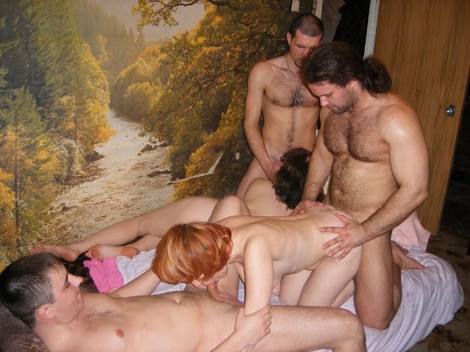 dlinnimi-nogami-domashniy-seks-russkih-svingerov-foto-chastnoe-rossiya-porno