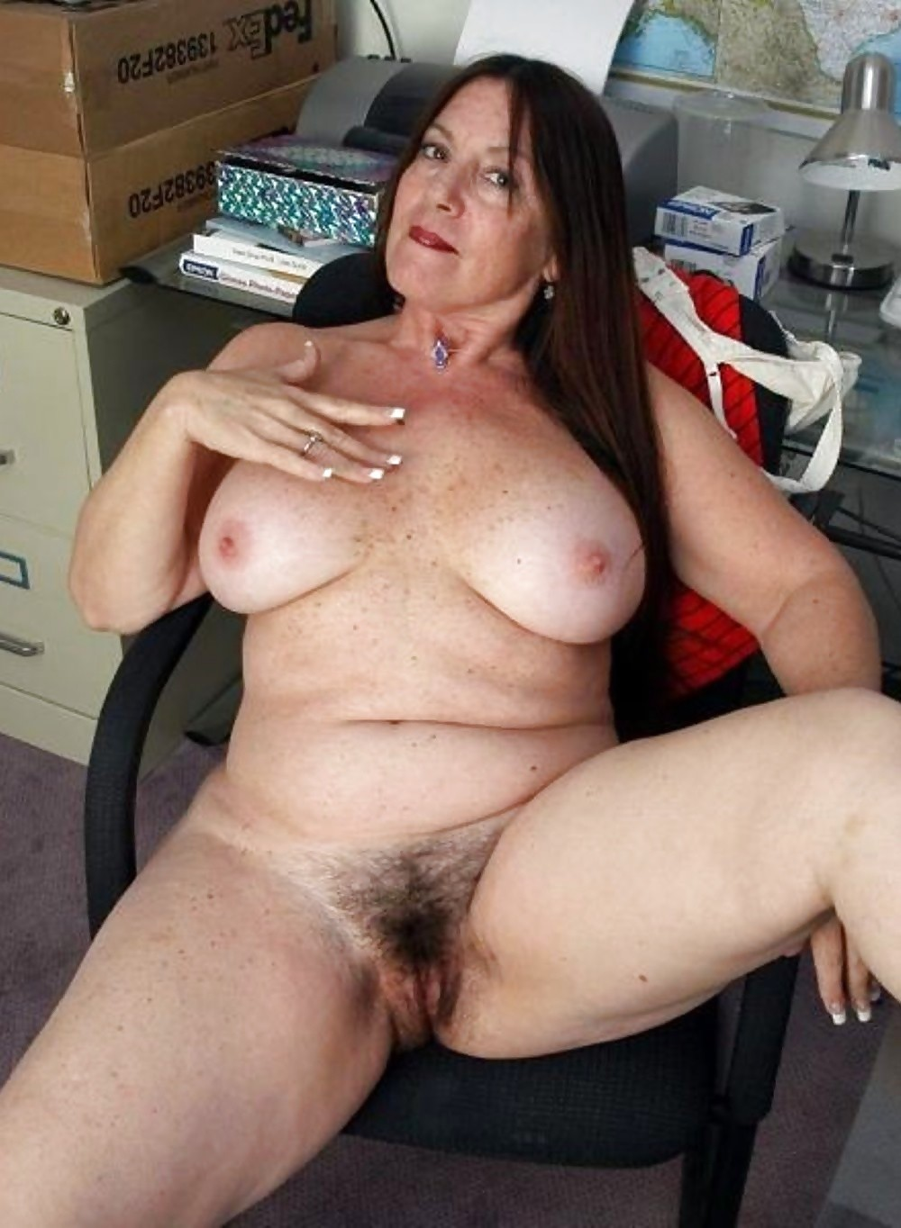 Thick mature nude