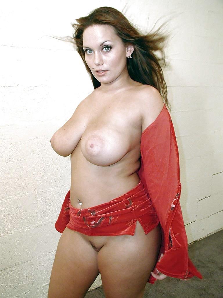 milf-brunette-busty-rosalie-polish-geals-sex-fuking