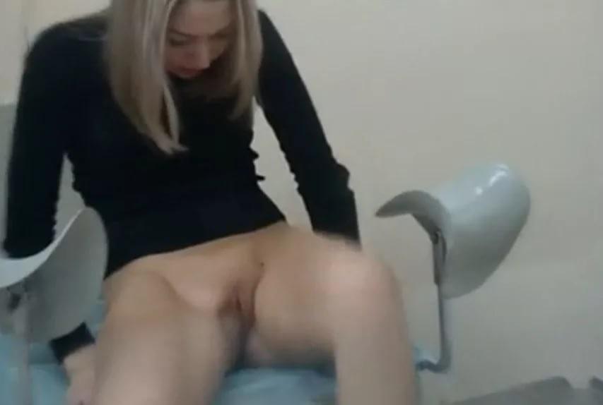верила порно визит гинекологускрытая камера трактор
