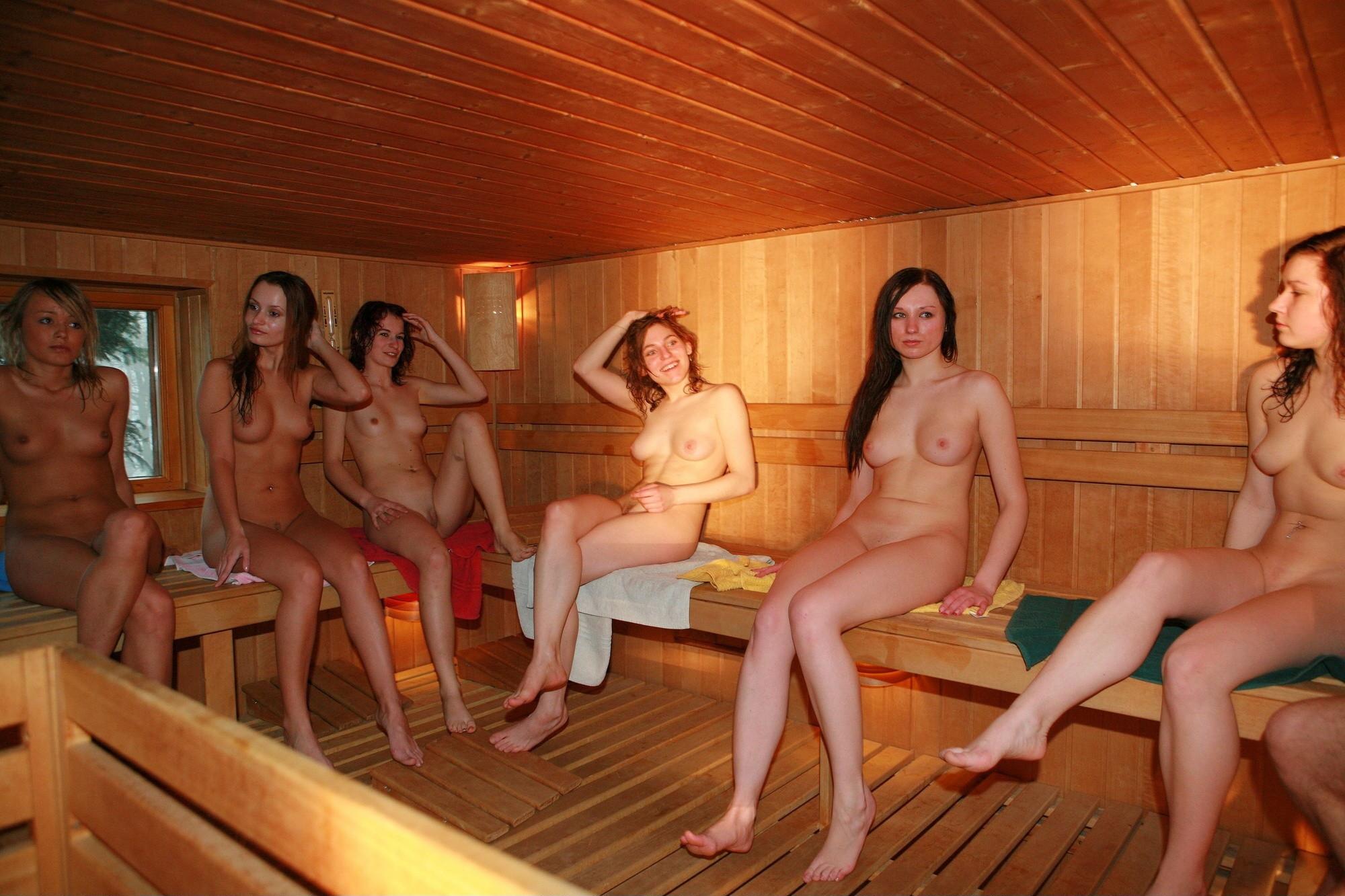 этого оранжевые эро фото женщин в банях она кайфует ней