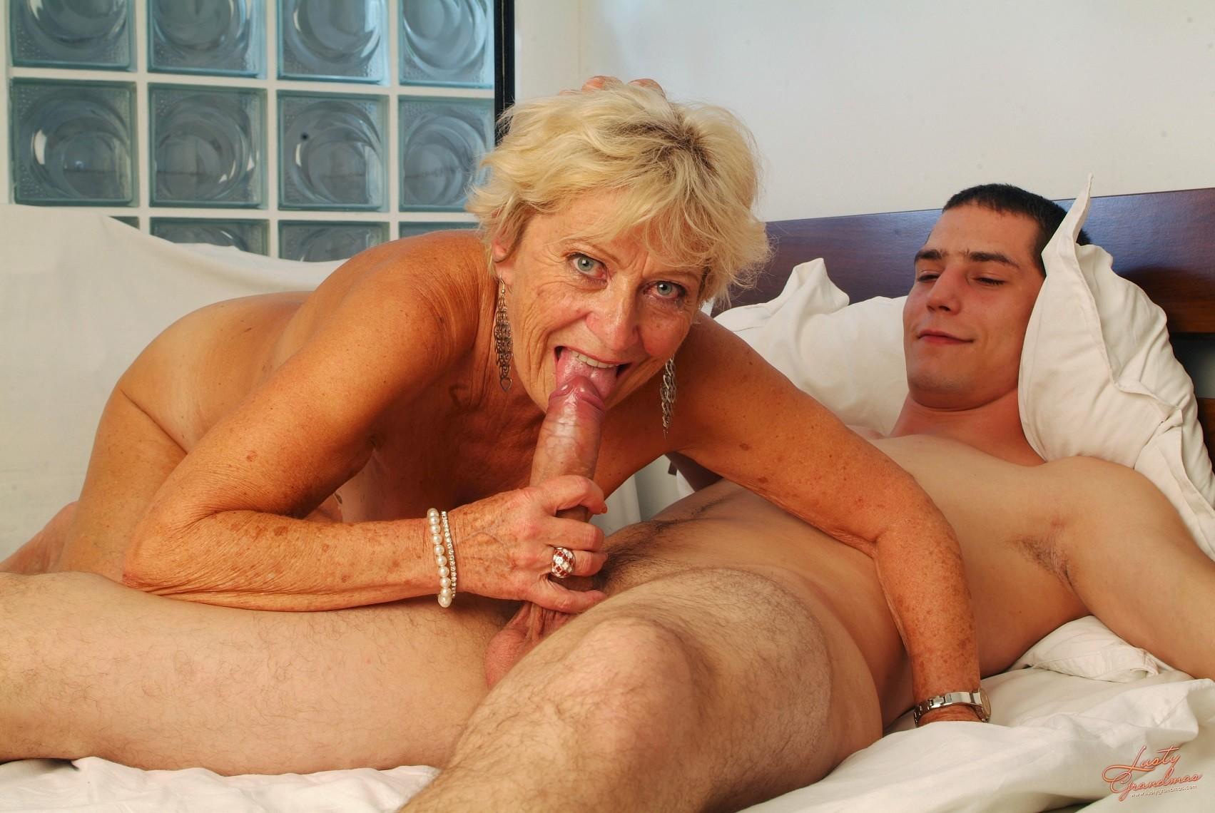 young-men-and-older-ladies-enjoying-sex