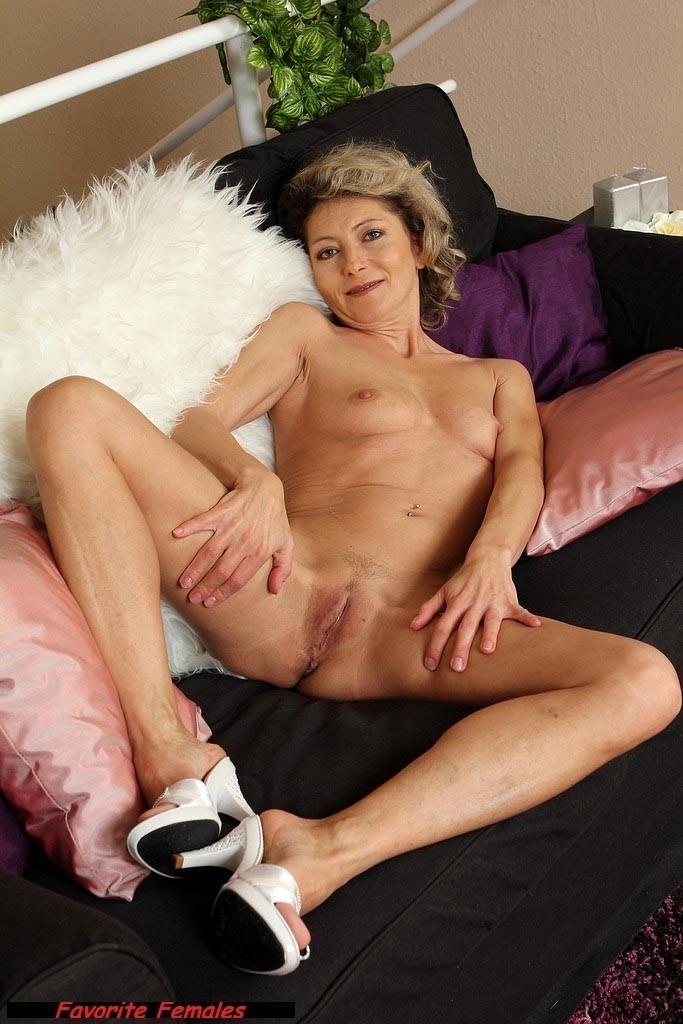 skinny-mature-sex-galleries