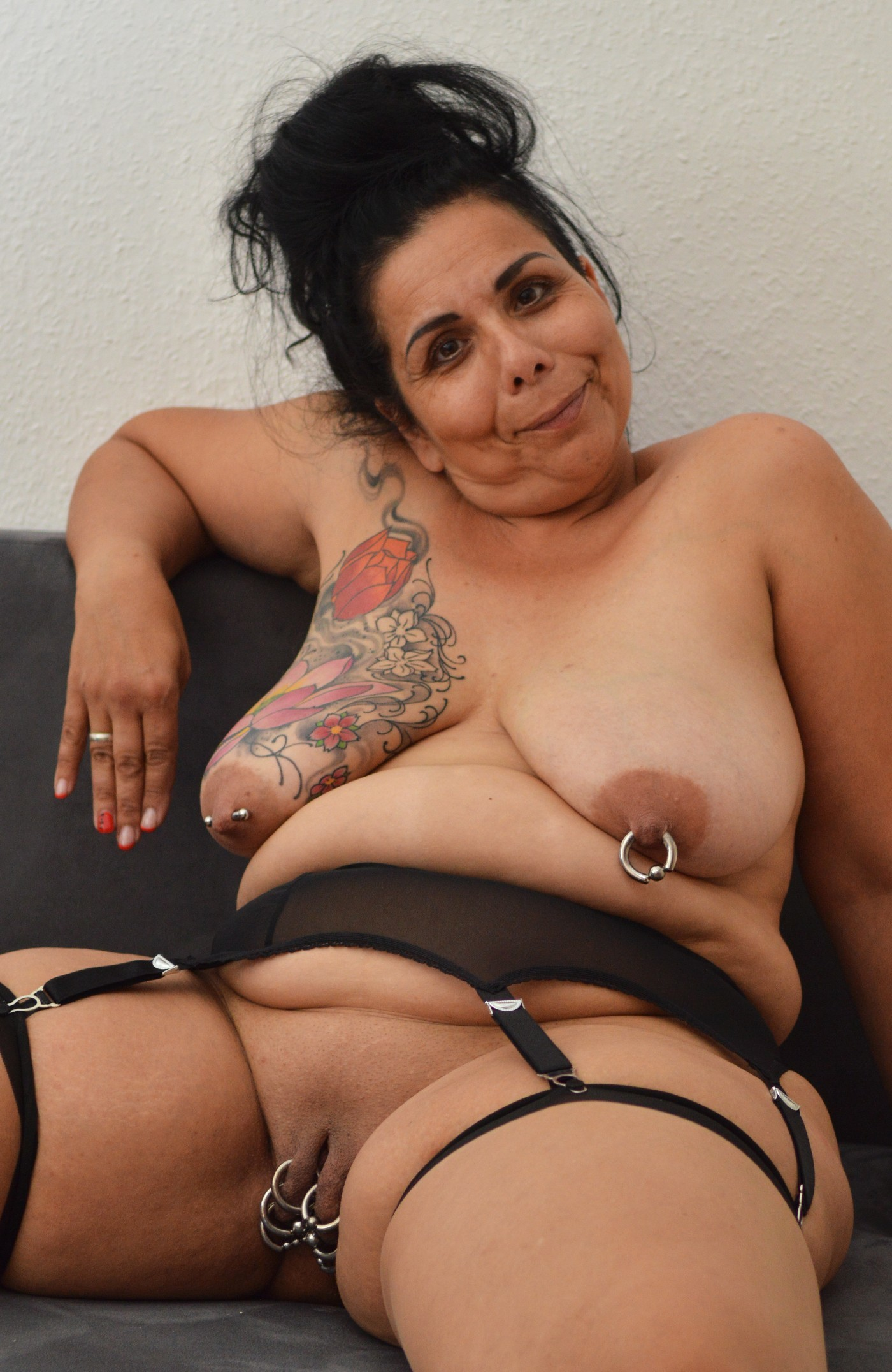 nude-bbw-with-piercings