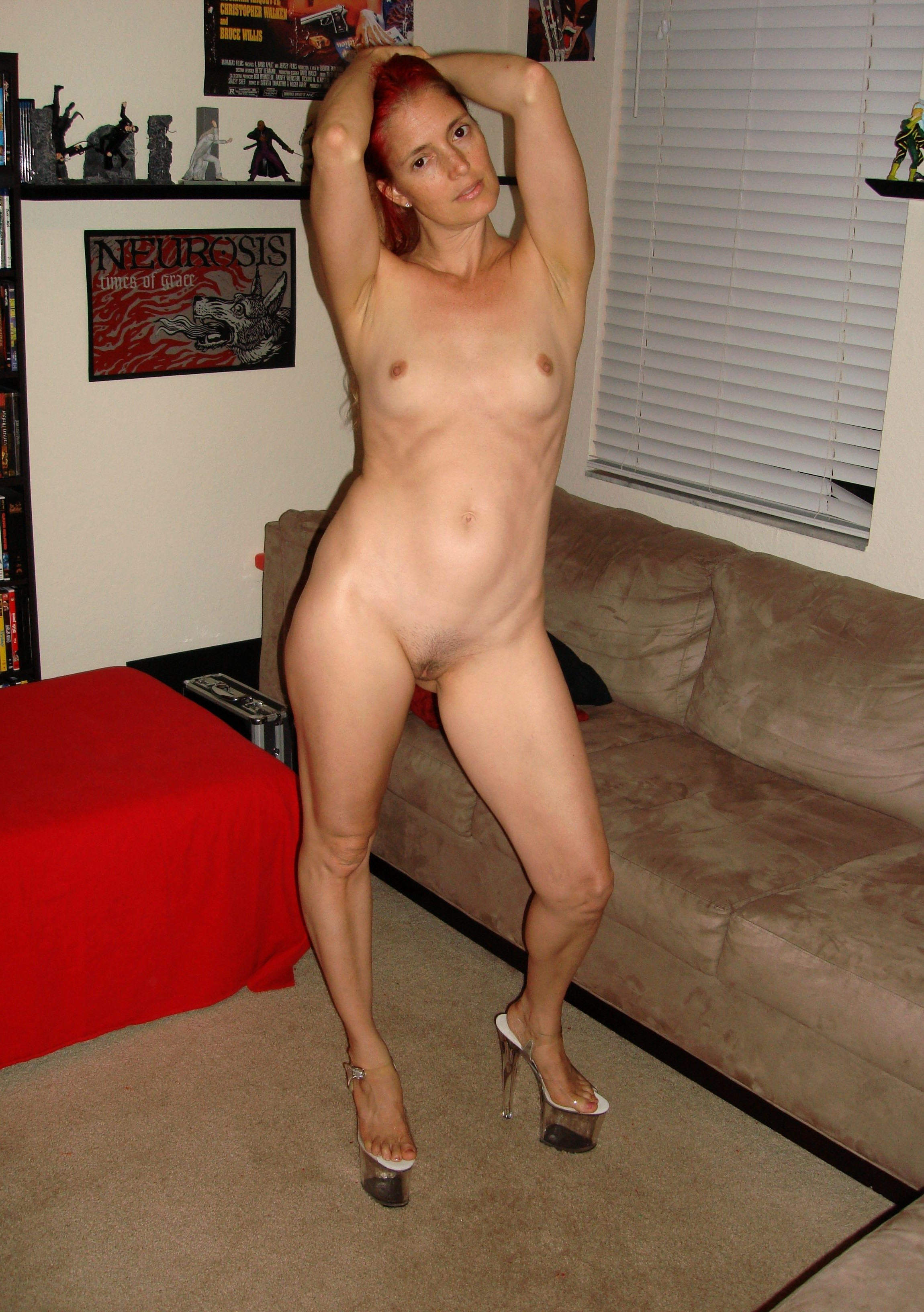 Naked housewives galleries