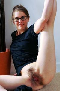 Женщины с пушниной между ног - фото #14