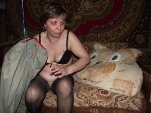 Зрелая русская пара в новогоднем запое - фото #4