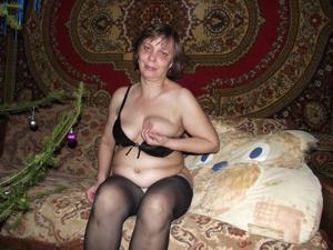 Зрелая русская пара в новогоднем запое - фото #6