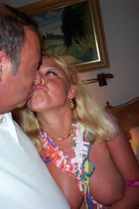 Зрелая блондинка и ее волосатый муж - фото #5