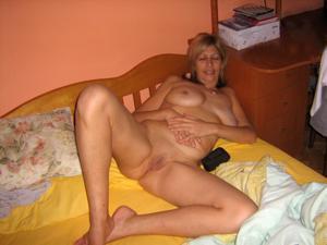 В постели с женой