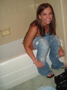 Писающие в ванну - фото #1