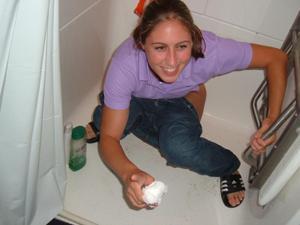 Писающие в ванну - фото #10