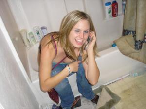 Писающие в ванну - фото #38
