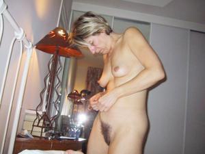 Секс со зрелой волосатой пиздой - фото #5