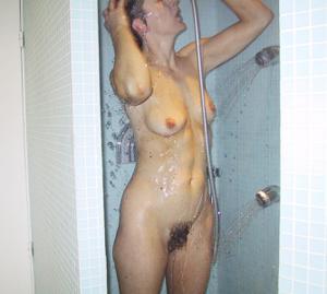 Секс со зрелой волосатой пиздой - фото #7