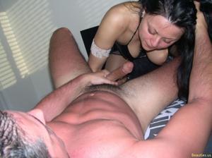 Из всех видов секса она предпочитает ганг банг - фото #21