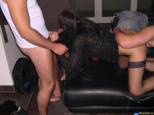 Из всех видов секса она предпочитает ганг банг - фото #46
