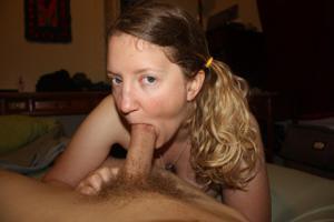 Блондинка пососушка - фото #6