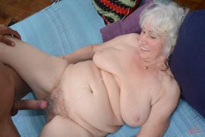 Пожилые толстухи - фото #23