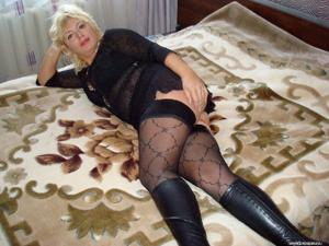 Русская женщина спит с другом мужа - фото #32