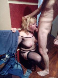 Русская женщина спит с другом мужа - фото #46