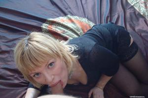 Русская женщина спит с другом мужа - фото #47