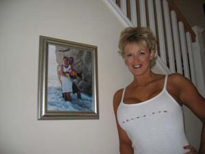Зрелая блонда хвастается новыми сиськами - фото #45