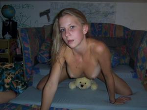 Бисексуальные подружки - фото #47