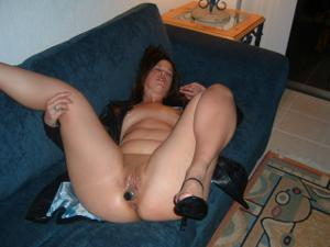 Француженка регулярно мастурбирует - фото #14