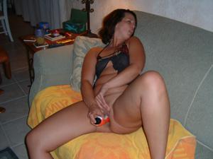 Француженка регулярно мастурбирует - фото #6