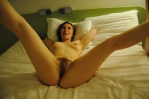 Мохнатый лобок Джессики - фото #3