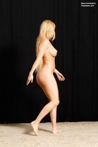 Голая блондинка гимнастка - фото #5