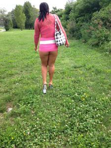 Попки под юбками - фото #37