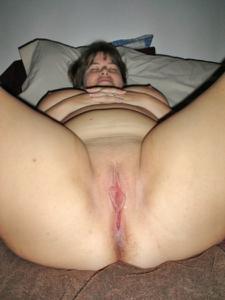 Толстячка Шэрон с раздвинутыми ногами - фото #10