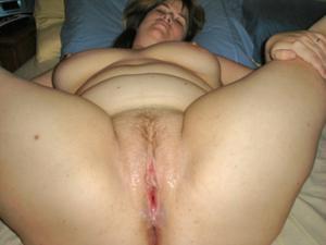 Толстячка Шэрон с раздвинутыми ногами - фото #27