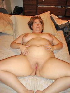 Толстячка Шэрон с раздвинутыми ногами - фото #41