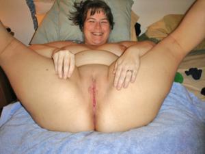 Толстячка Шэрон с раздвинутыми ногами - фото #5