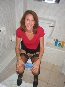 Ктол любит смотреть на женщин в туалете? - фото #22