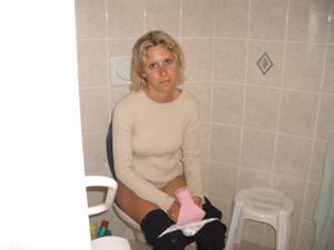 Ктол любит смотреть на женщин в туалете? - фото #25