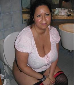 Ктол любит смотреть на женщин в туалете? - фото #34
