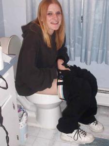 Ктол любит смотреть на женщин в туалете? - фото #4