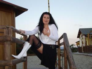 Фантастическая милфа Мора - фото #12