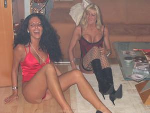 Бисексуальные милфы и муж одной из них - фото #12