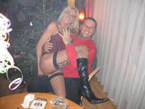 Бисексуальные милфы и муж одной из них - фото #18