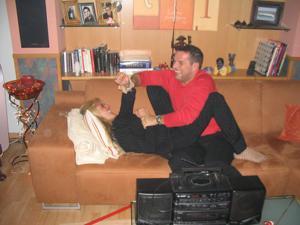 Бисексуальные милфы и муж одной из них - фото #20