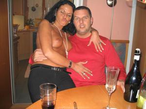 Бисексуальные милфы и муж одной из них - фото #27