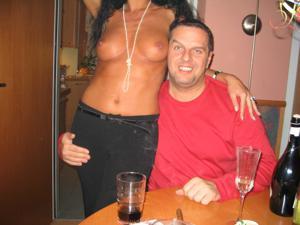 Бисексуальные милфы и муж одной из них - фото #28