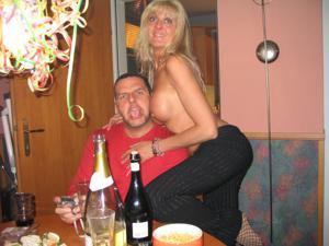 Бисексуальные милфы и муж одной из них - фото #33