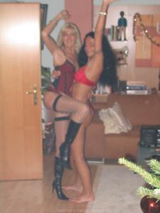 Бисексуальные милфы и муж одной из них - фото #41