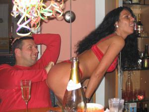 Бисексуальные милфы и муж одной из них - фото #45